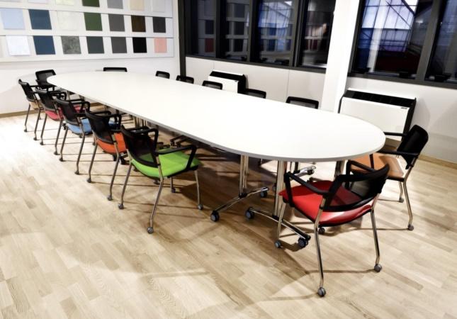 Freely en une salle de réunion
