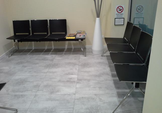 Multi poutres pour une salle d'attente d'un bureau