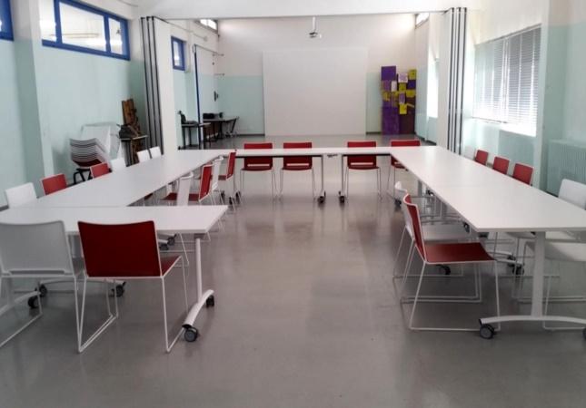 Mobilier empilable pour école et education